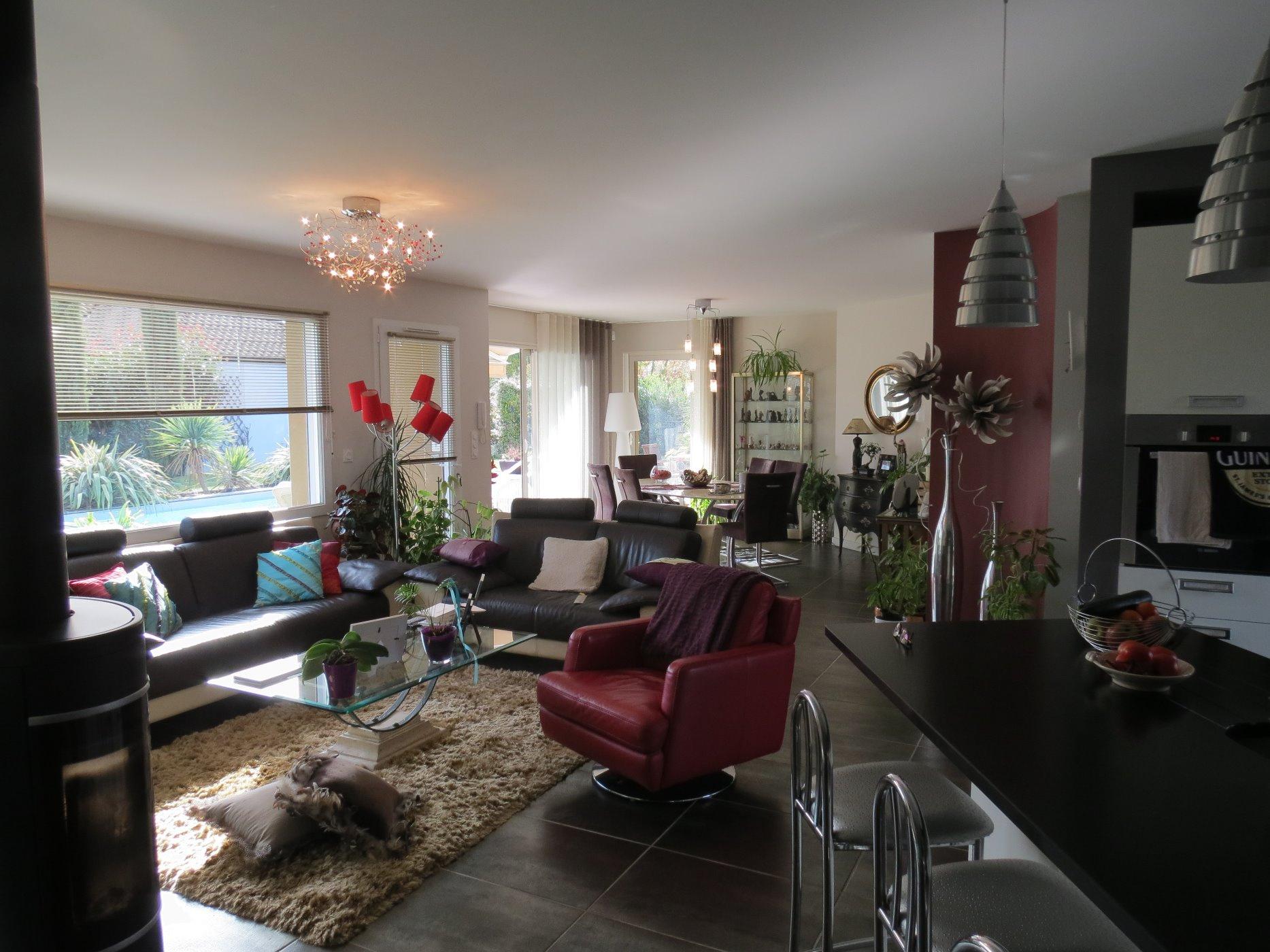 vente maison recente de plain pied arc en ciel immobilier. Black Bedroom Furniture Sets. Home Design Ideas
